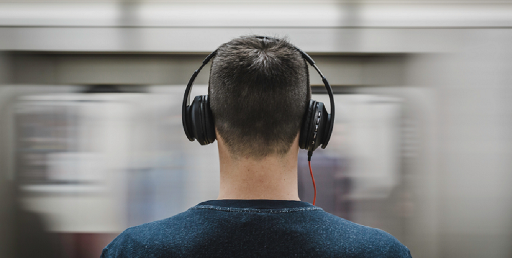 13 top sales podcasts every sales professional should listen to - Frank Recruitment Group blog
